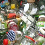 Altglas Recycling: Glas im Container trennen