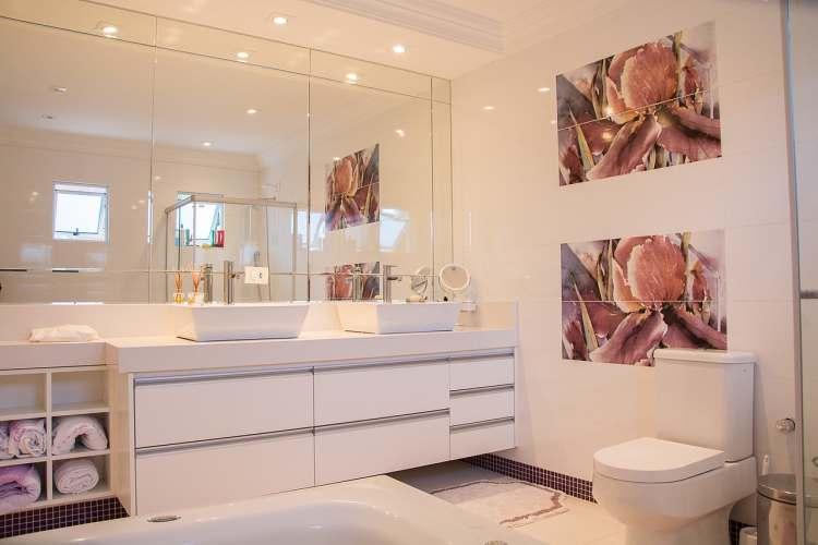 bathroom 1622403 1280